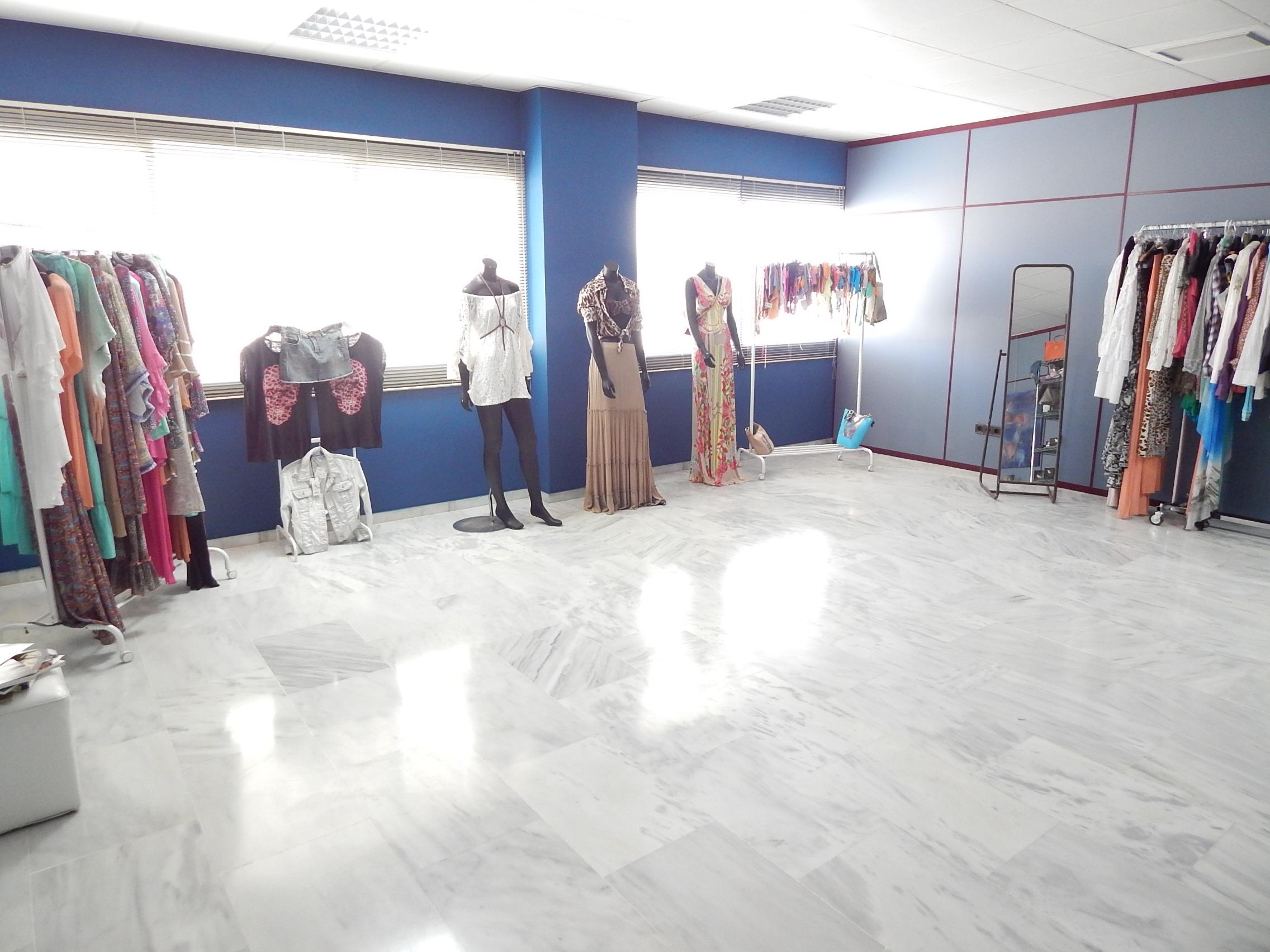 Business point ibiza showroom 3 business point ibiza for Oficina de empleo ibiza